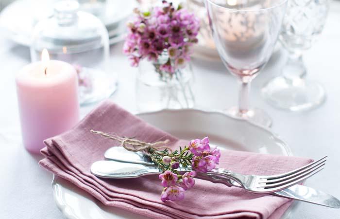 Jak usadit hosty ke svatebnímu stolu?