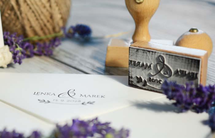 Jak se vyrábějí svatební razítka?